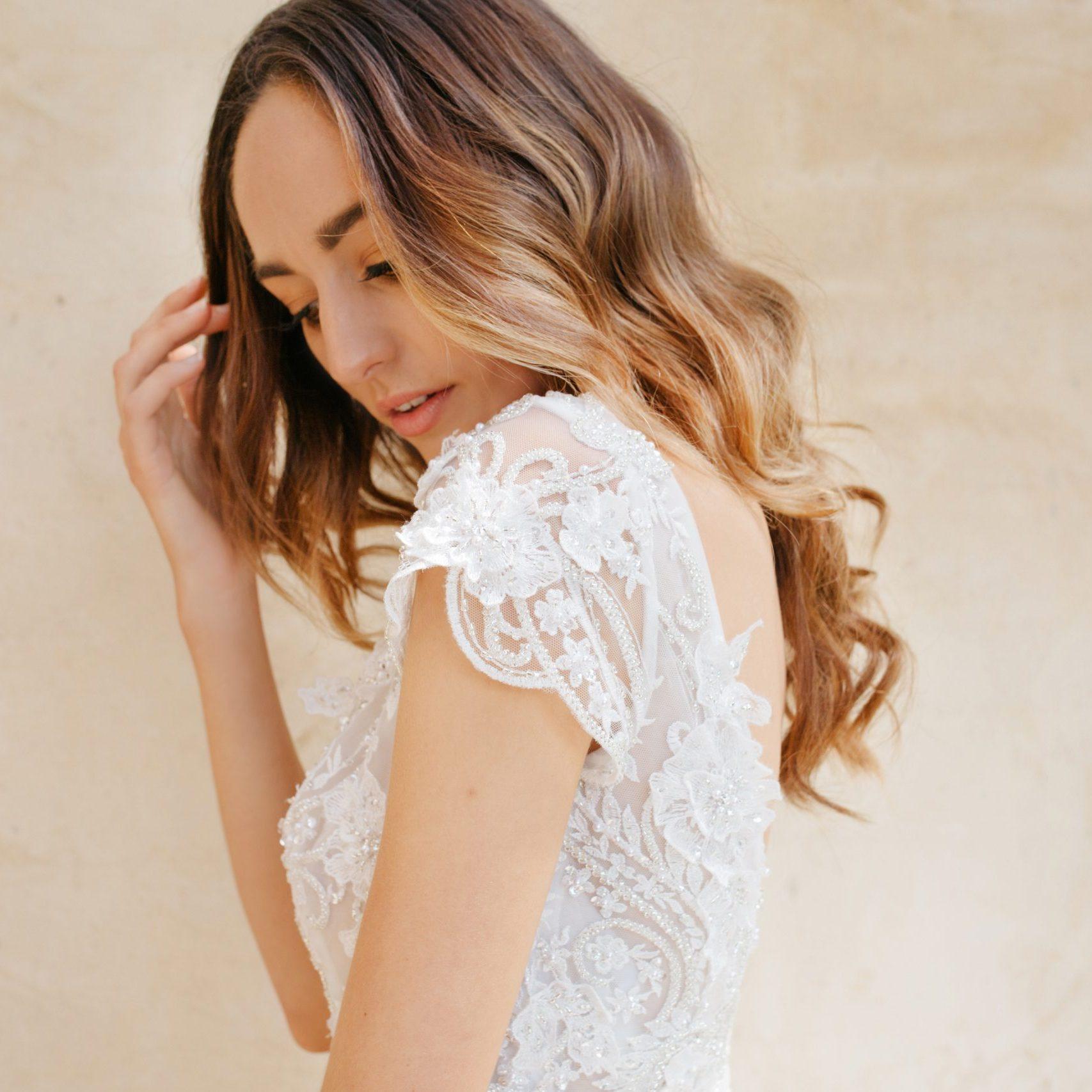Brides Desire-Taissa-back-detail