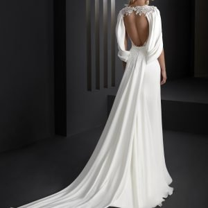 Wedding dress by Manu Garcia for Higar Novias at Perfect Day Bridal.